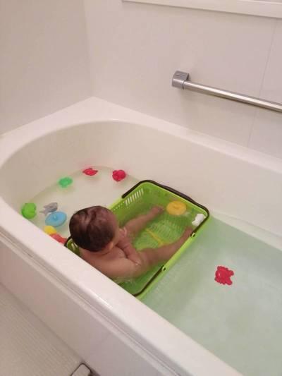 赤ちゃんとお風呂に入る時の必需品